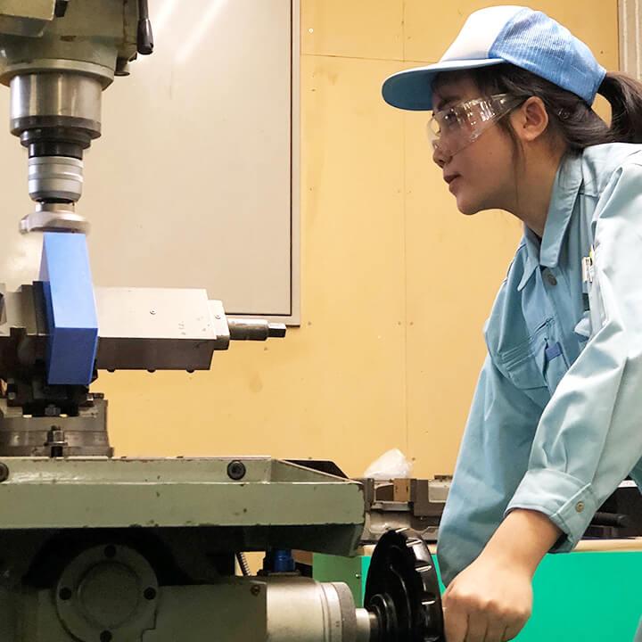 工作機械「平安REX-11B」「ファナック ロボドリル」でMCナイロンを切削加工